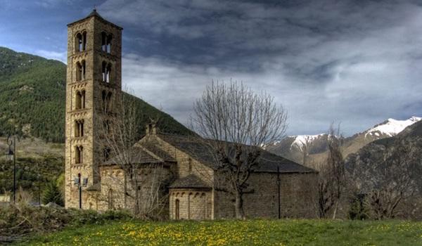 Een Romaanse kerk in de Boí vallei in Catalonië