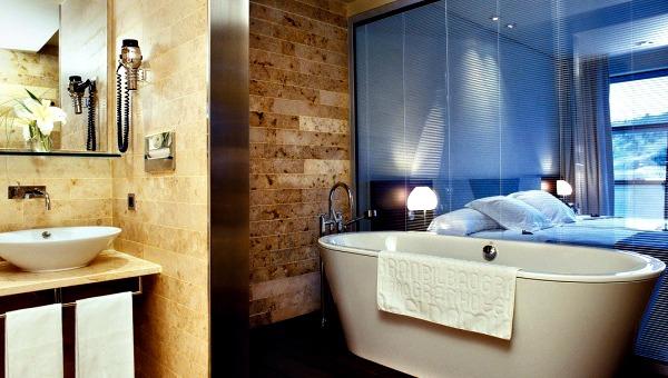 Een door Philippe Starck ontworpen badkamer