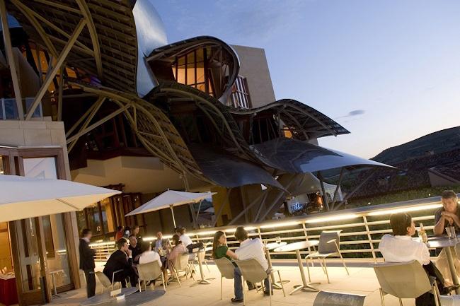 Marqués de Riscal - design hotel, bodega en wijnspa in Rioja Alavesa