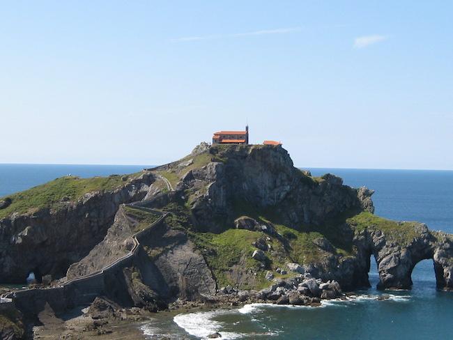 San Juan de Gaztelugatxe aan de kust van Baskenland