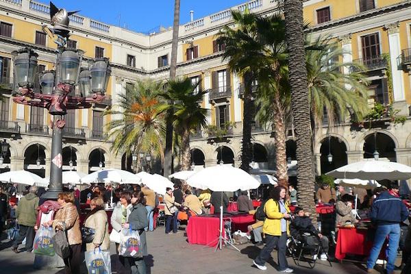 Gaudi's eerste publieke kunstwerk in Barcelona