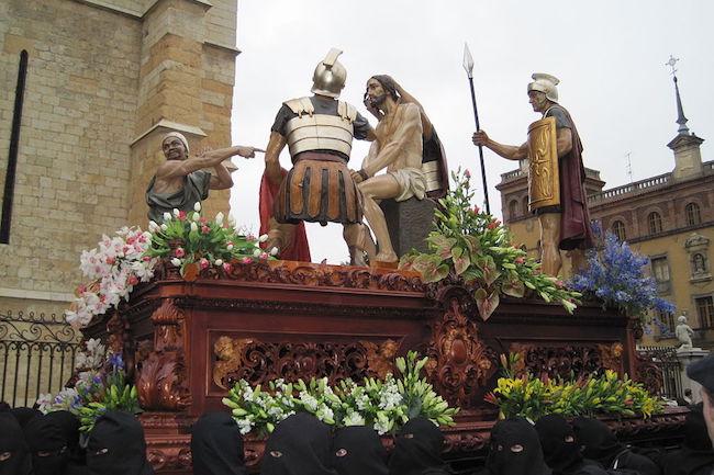 Coronacion de Espinas-beeld in de Semana Santa processie van Leon (Midden Spanje)