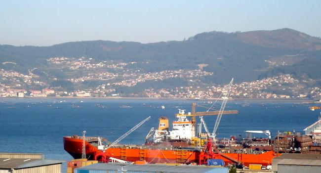 De haven van kustplaats Vigo in Galicië (Noord Spanje)