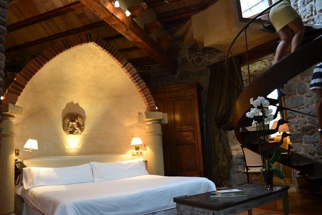 Torenkamer van kasteelhotel Arteaga in Baskenland (Noord Spanje)