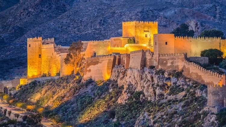 Het Alcazaba (=Moorse vesting) van de stad Almería (Andalusië)