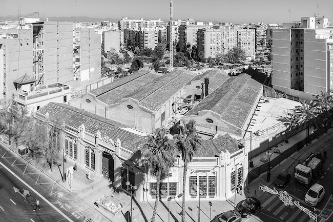 De voormalige pompenfabriek Bombas Gens, midden in Valencia
