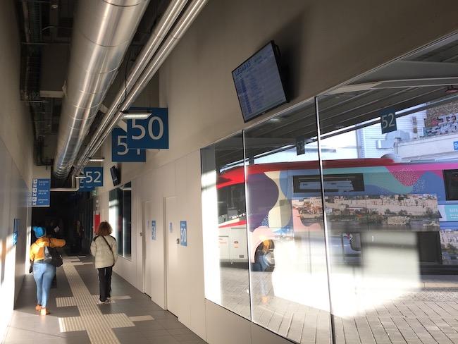 Bus van Madrid naar Trujillo vertrekt altijd vanaf dok 52 t/m 57