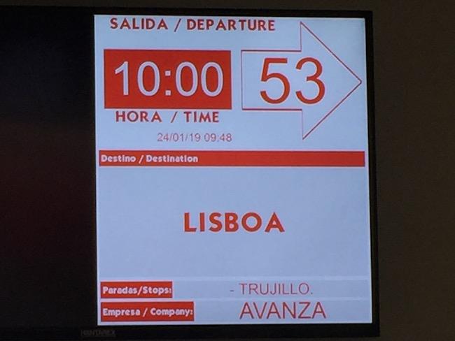 Expres bus van Madrid naar Trujillo, met eindbestemming Lissabon