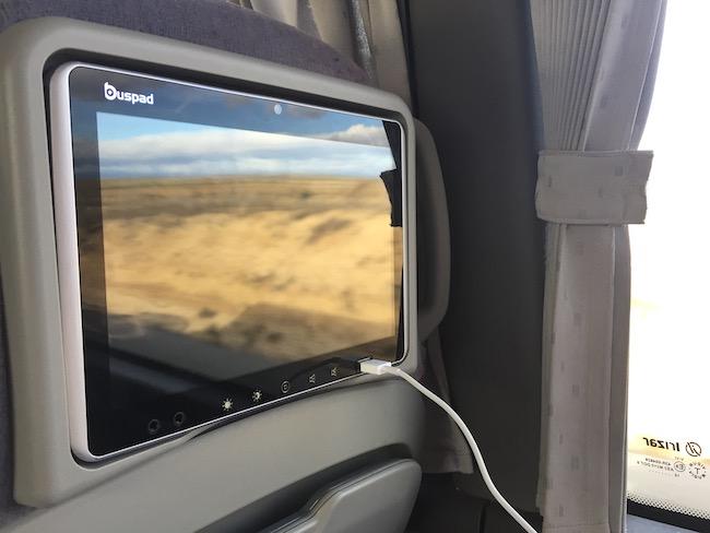 Oplader en gratis Wifi in expres bus van Avanza