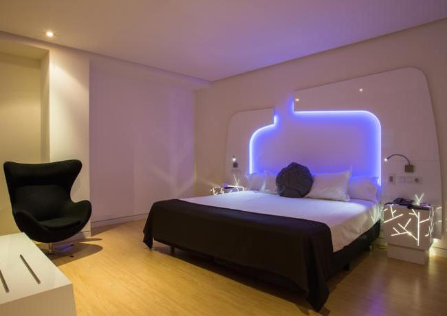 Een vakantie naar asturi een groen paradijs met for Hotel booking design