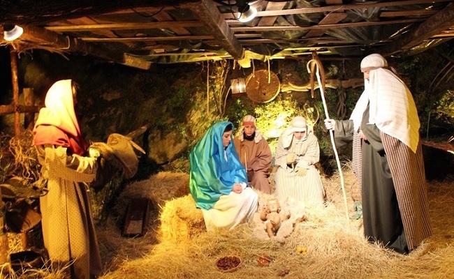 Een detail van de levende kerststal van Buitrago del Lozoya