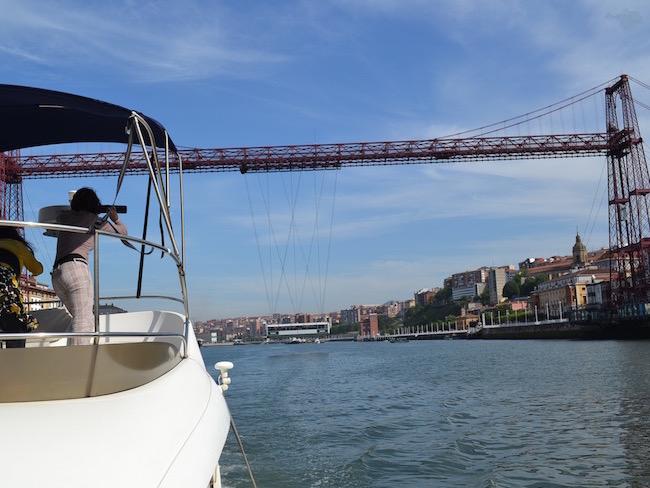 Boottocht over de Nervión rivier bij Bilbao (Baskenland)