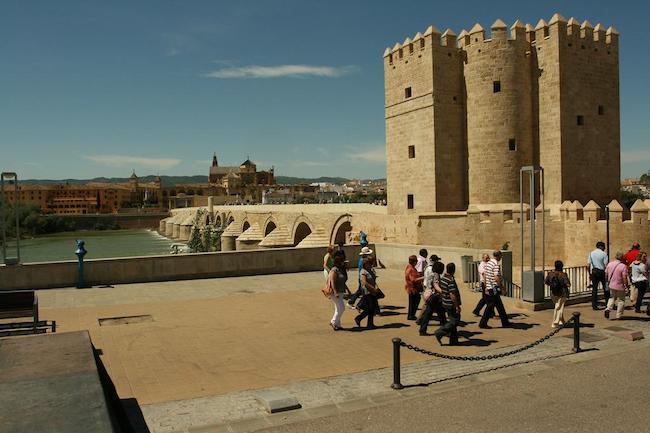 Calahorra toren en Romeinse brug van Córdoba