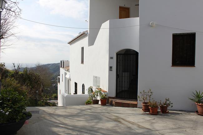 Ingang naar ons appartement in bergdorp Frigiliana