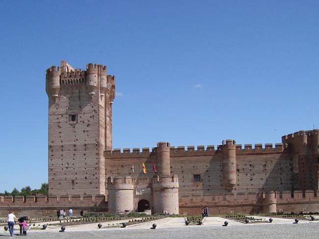 Middeleeuwse kastelen in de omgeving van Valladolid (Midden Spanje)