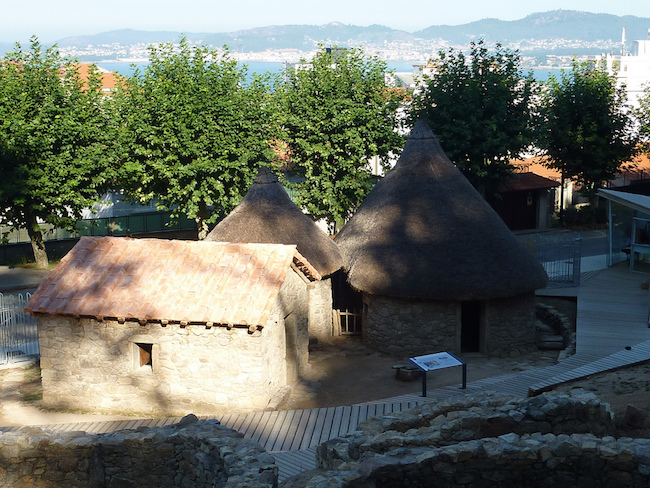 Oude gefortificeerde nederzetting in Vigo (Noord Spanje)