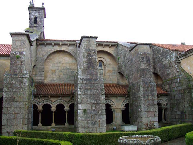 De Colegiata de Santa Maria la Real de Sar in Santiago de Compostela (Noord Spanje)