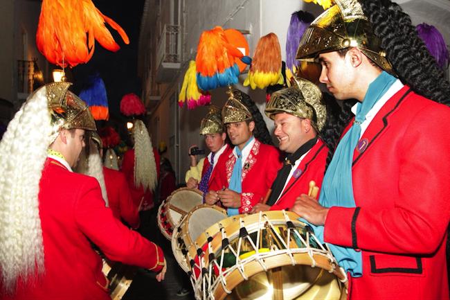 Coliblancos en Colinegros tijdens de Goede Week in Baena (Caminos de Pasion gebied, Zuid Spanje)