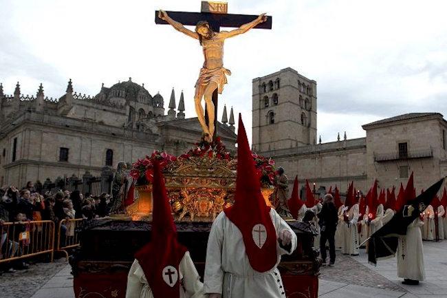 Het beeld Cristo de las Injurias in de Semana Santa processie van Zamora (Midden Spanje)