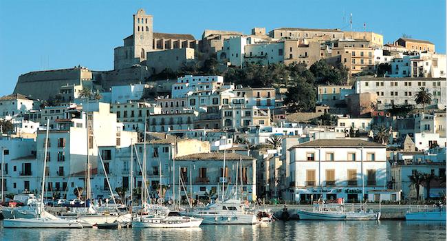 Dalt Vila in Ibiza stad, de best bewaarde fortificatie in het Middellandse Zee gebied