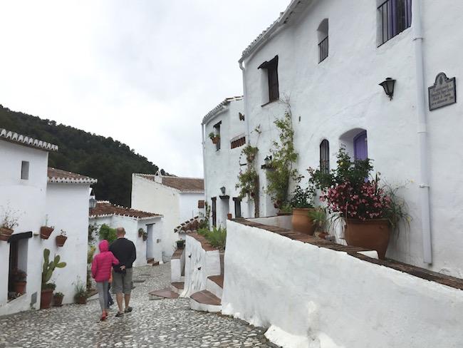 El Acebuchal - een minuscuul wit bergdorp buiten Frigiliana (Foto: Spanje voor Jou)