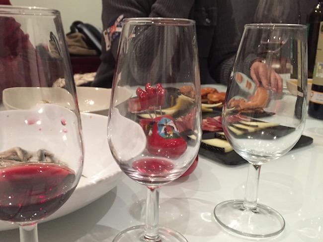 Lekkere tapas ter afsluiting van de wijnproeverij bij El Brabantino