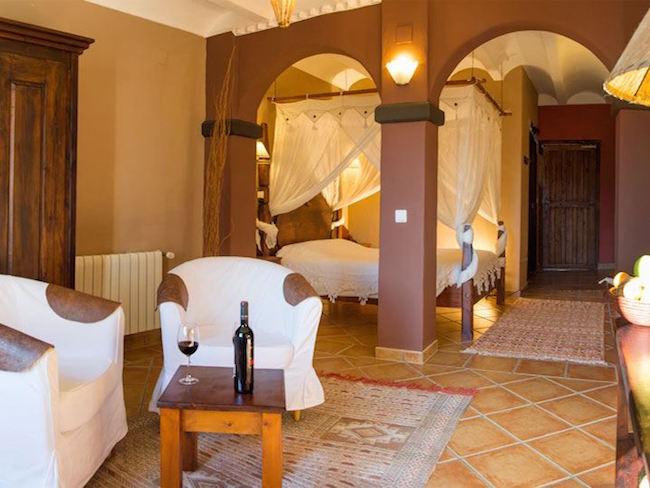 Rustgevend Mediterraan hotel in de binnenlanden van Alicante