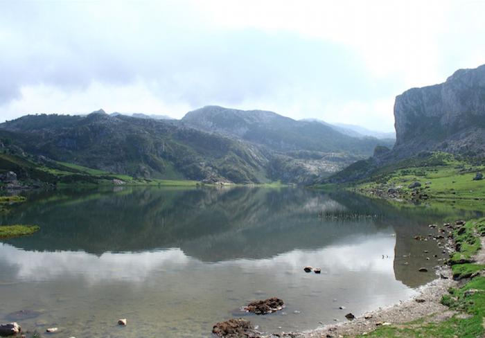 Het Ercina bergmeer in Asturië