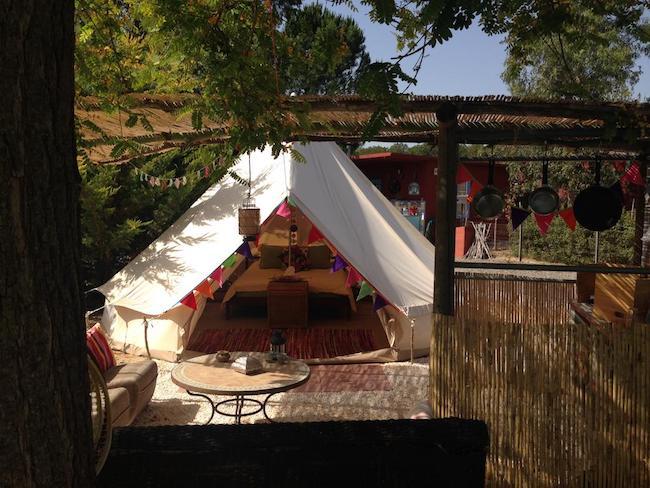 Luxe glamping tent bij Finca la Fahala in het binnenland van Andalusië