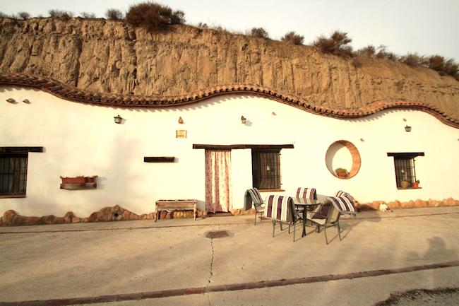 De grotwoningen Cuevas la Chumbera in Benalúa (Granada, Andalusië)