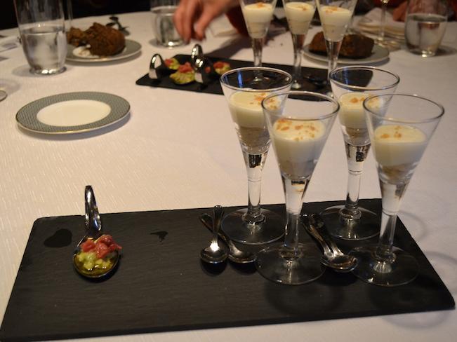 De voortreffelijke keuken in een haute cuisine restaurant in Bilbao (Baskenland)