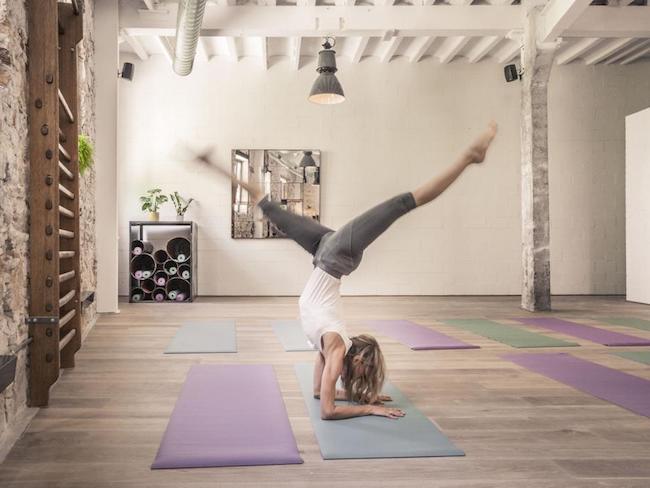 Dagelijkse gratis yoga-lessen bij het kleine hippe hotel Brummell in Barcelona