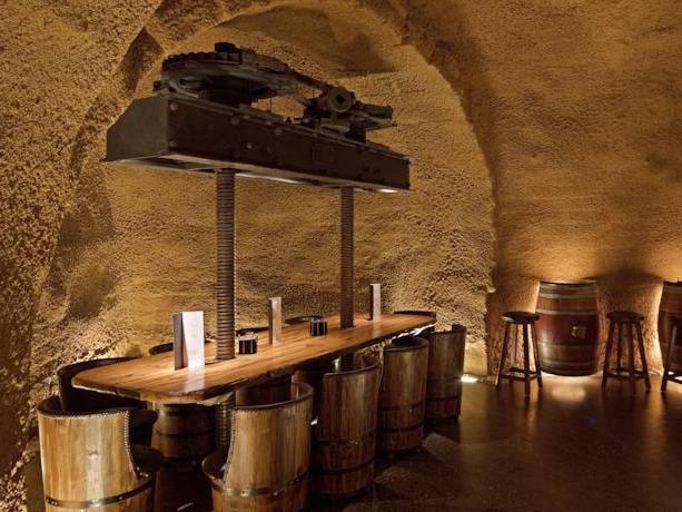 Hotel met wijnkelder in Laguardia, de hoofdstad van wijnstreek Rioja Alavesa (Baskenland)