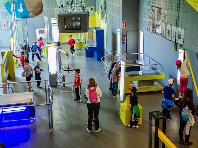 Het interactieve en kindvriendelijke wetenschapsmuseum van San Sebastian (Noord-Spanje)
