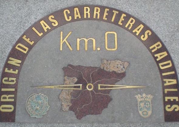 Beeld van koning CarlosIII op Plaza Mayor Madrid