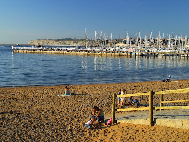 Het strand van Las Arenas (Getxo) - het dichtstbijzijnde strand vanuit Bilbao (Baskenland)