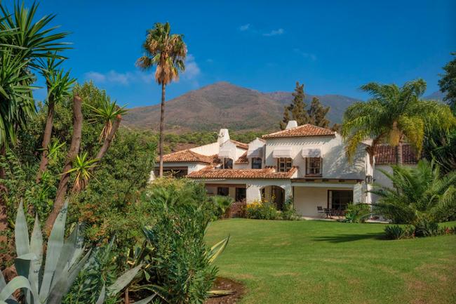 Luxe 20-persoons vakantiehuis Villa Bermeja bij Casares in provincie Málaga
