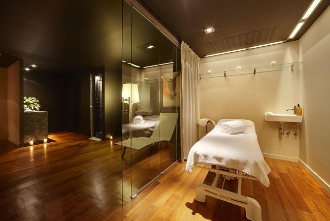 Prachtig verzorgde massageruimte in design hotel Hotel Miró in Bilbao