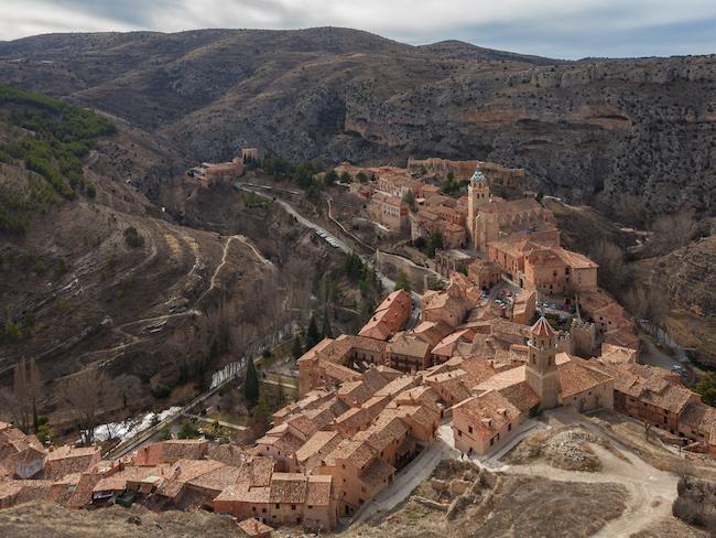 De Middeleeuwse plaats Albarracín in de provincie Teruel in Aragon