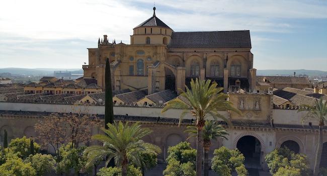 De immense moskee-kathedraal van Córdoba (Andalusië, Zuid Spanje)