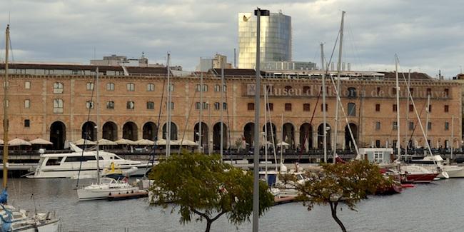 Het Museum van de Geschiedenis van Catalonië in de haven van Barcelona