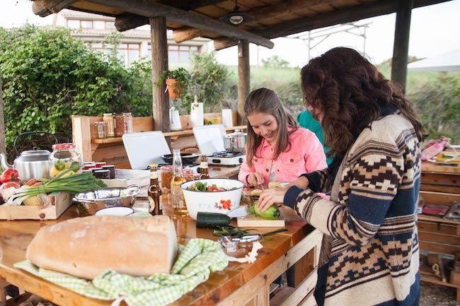 Gemeenschappelijke open keuken Forest Days Glamping