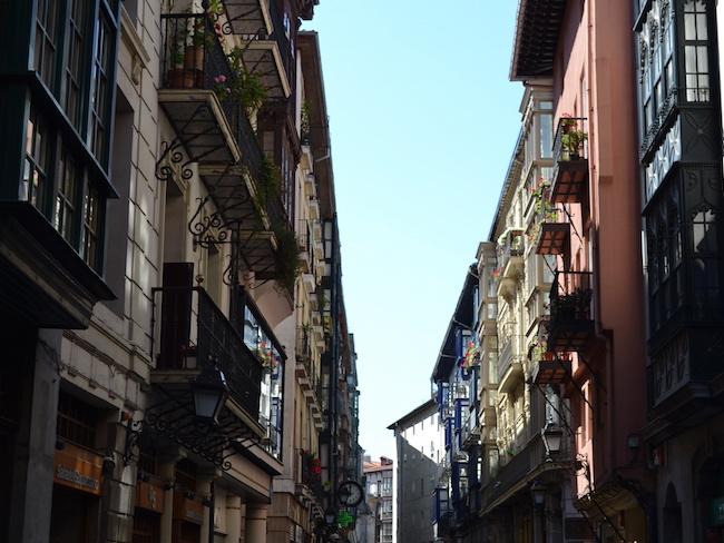 Bezoek tijdens je vakantie Bilbao ook de oude binnenstad van Bilbao (Baskenland)