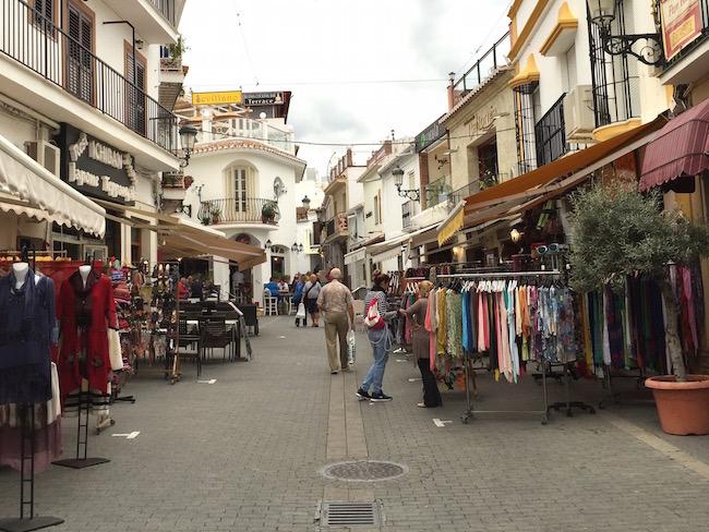 Het oude stadscentrum van Mediterrane kustplaats Nerja