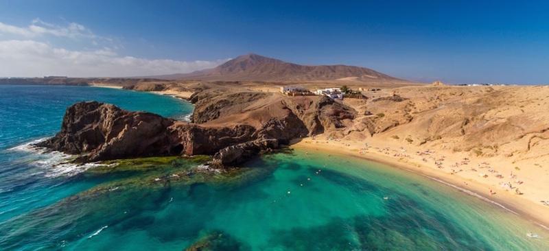 Het Papagayo strand in het zuiden van het Canarische eiland Lanzarote