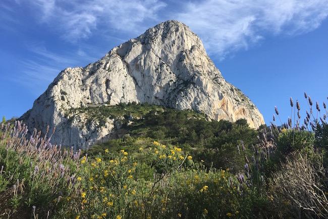 Peñon de Ifach, de 300 meter hoge rots van Calpe die van heinde en ver te zien is