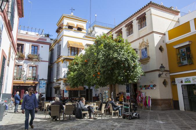 De gezellige Santa Cruz wijk in Sevilla (Zuid Spanje)