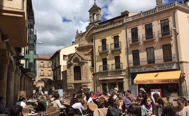 Romaanse San Martin kerk bij de Plaza Mayor van Salamanca (Midden Spanje)