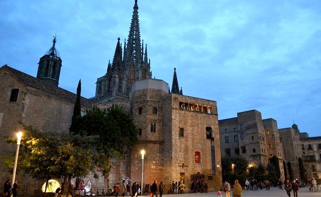 Deel van de Romeinse stadsomwalling bij de Placa Nova in Barcelona