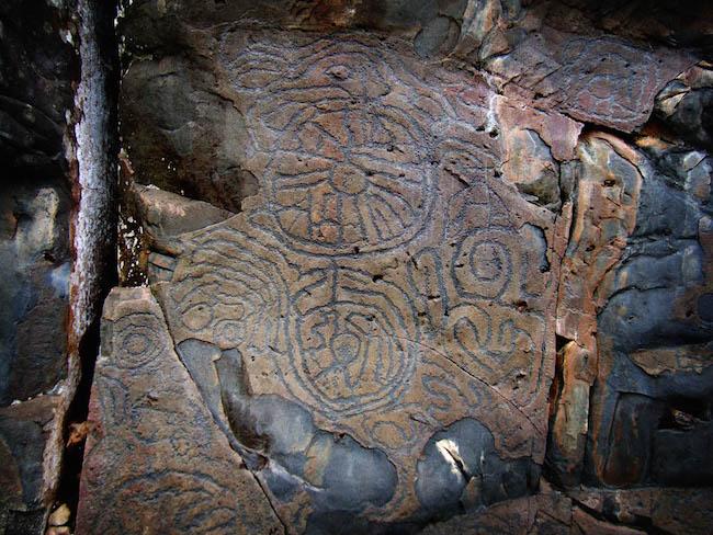 Rotstekeningen in de Belmaco grotten op La Palma (Canarische Eilanden)